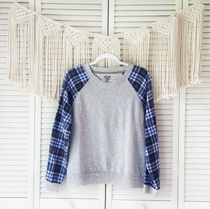 AERIE Gray Raglan Blue Plaid Sleeve Sweater L